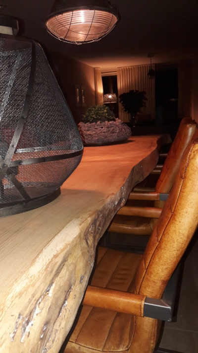 Detail boomstamtafel 8cm dik blad