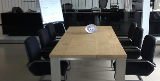 Vergadertafel RVS onderstel modern eiken