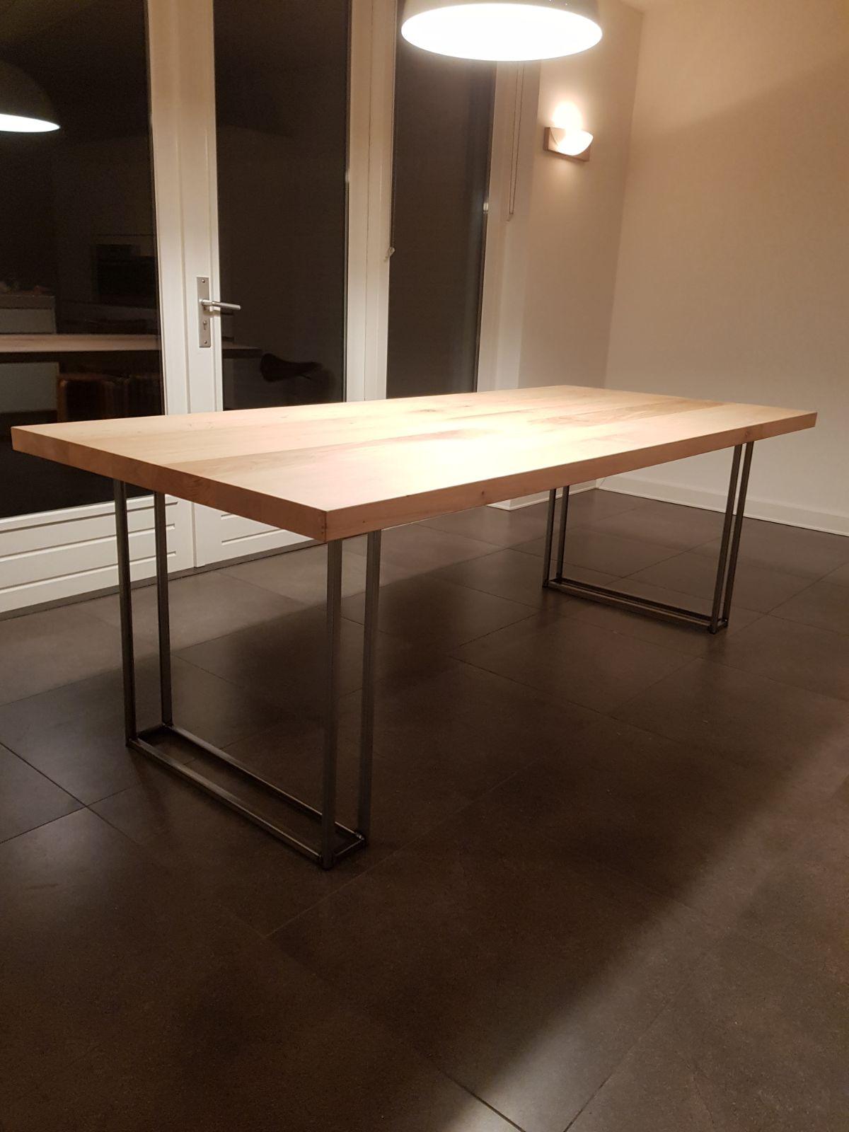Eiken eettafel houten poten tafel en meer for Eettafel modern